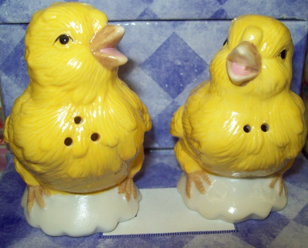 Chick Peeps Salt & Pepper Shakers in Giftable Box  - NEW
