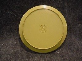 """Tupperware 1207 Avocado Green Replacement Seal N Serve Lid/ Plate 7"""" Round - $4.49"""