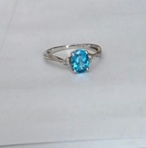 10K WHITE GOLD BLUE TOPAZ OVAL SOLITAIRE & DIAMOND RING, SIZE 7, 1.56(TCW), 1.8G - $125.00