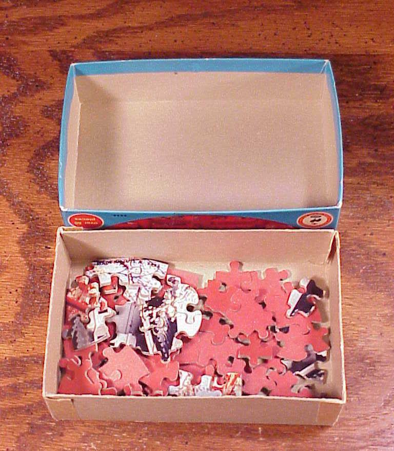 Jaymar Pan Am Round Jigsaw Puzzle Hirosaki Castle Japan