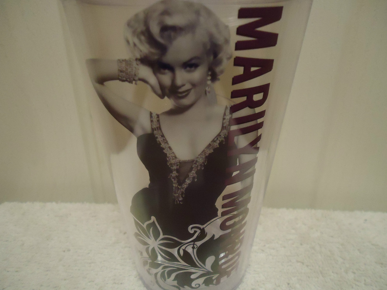 Marilyn Monroe Large Tumbler Glass with Straw