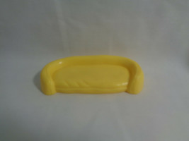 2006 Fisher Price Loving Family Dollhouse Replacement Yellow Pet Bed Cat / Dog - $1.93