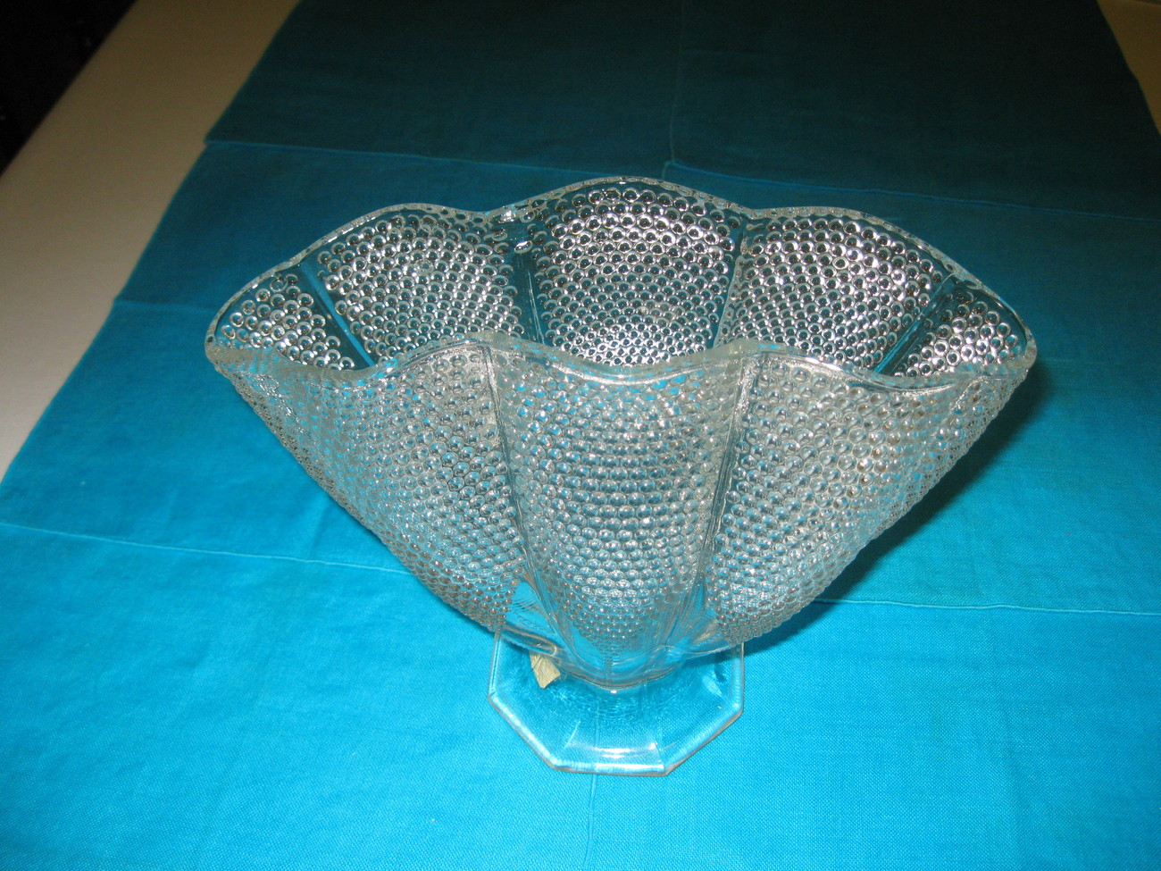 "L E Smith Glass Crystal Dewpoint Pillow 8 1/4"" Fan Vase"