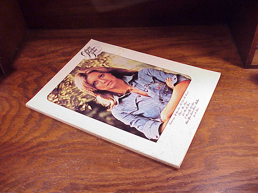 1975 Olivia Newton-John self-titled Song Book, 15 songs