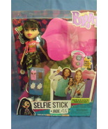 Dolls Toys New MGA Bratz Jade Doll with Selfie Stick 9 inches - $16.95