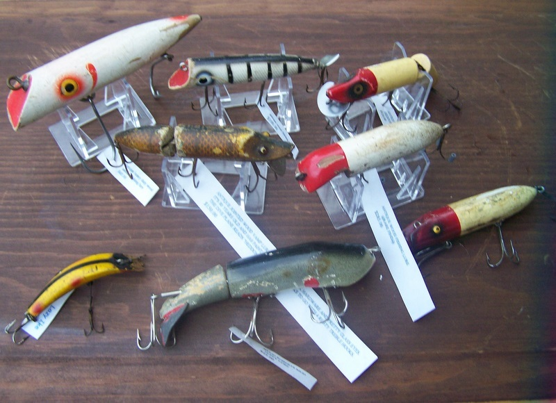Wooden fishing lures antique lot of 8 rare find for Antique wooden fishing lures
