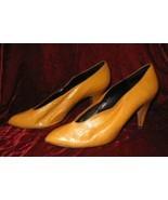 Vintage Enigma Mustard Classic Shoes Pump Heel 8.5 - $18.88