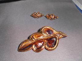VTG Elizabeth Ariainai? Enamel Porcelain Jewelry Demi Brooch Pin & Earri... - $14.85