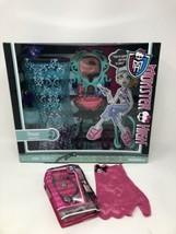 Monster High Lagoona Blue Shower Playset New + Bonus Gift (Kim) - $28.98