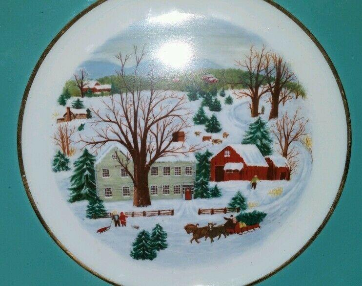 Avon Christmas Plate 1973 Christmas on the farm by Enoch Wedgwood