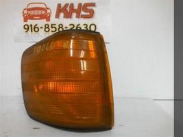 Passenger Corner/Park Light 126 Type 560SEC Fits 86-91 MERCEDES 560 127780 - $84.15