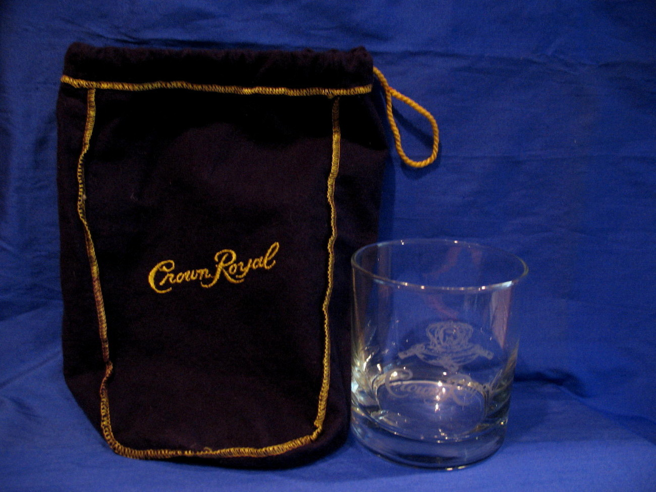 Crown Royal Whisky Glass with Purple Gift Bag Round Tumbler Canada Souvenir