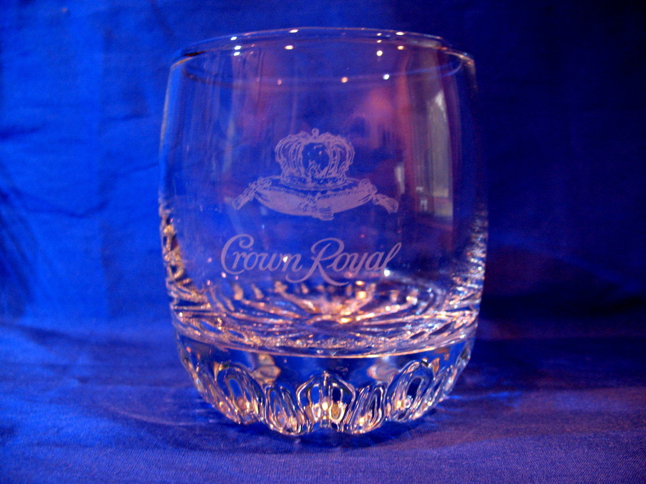Crown Royal Whisky Glass with Purple Gift Bag Round Tumbler Canadian Souvenir
