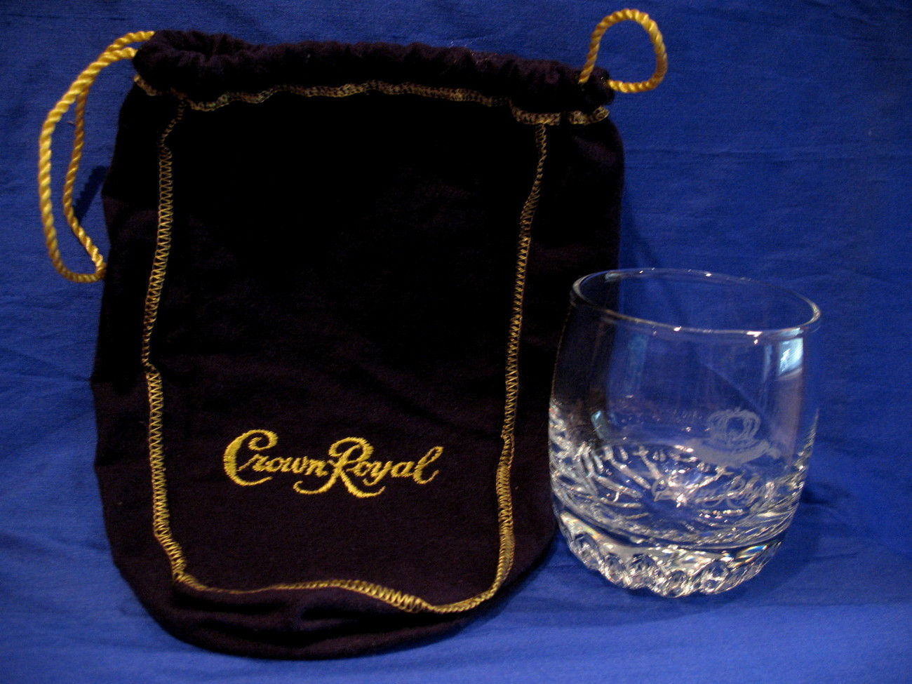 Primary image for Crown Royal Whisky Glass with Purple Gift Bag Round Tumbler Canadian Souvenir
