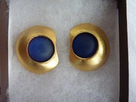 Vintage Retro Modernist Signed Lee Wolfe Gold tone Navy Blue Clip On Ear... - $48.95