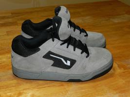 Vans Westchester Boys Skate Board Shoes Size 4.5 - $31.67