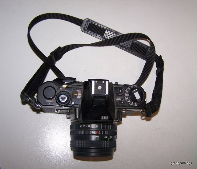 Vintage FUJICA AX3 35mm SLR CAMERA W/FUJINON 50mm 1:1.9 LENS