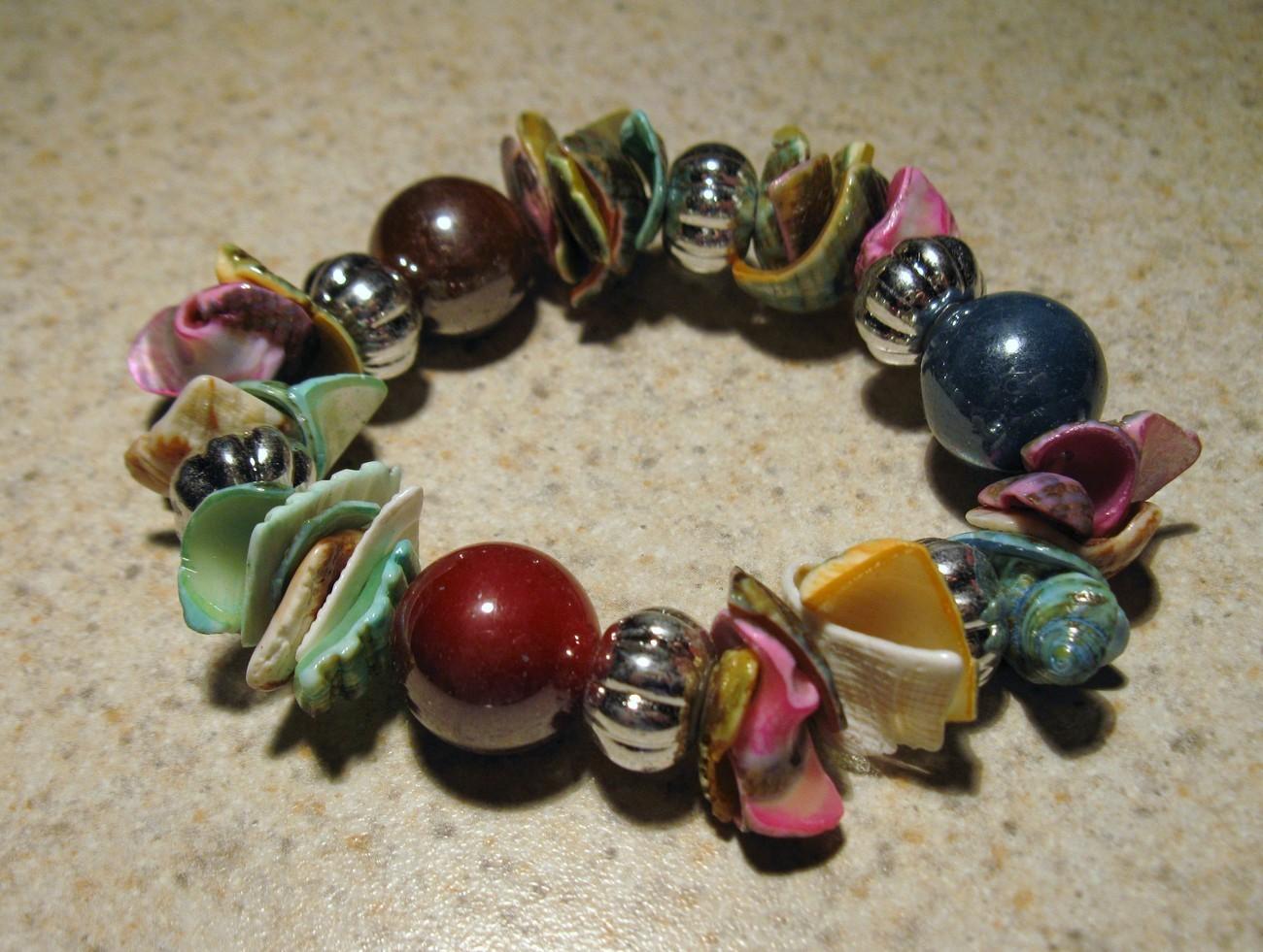 E 464 multi shell bracelet