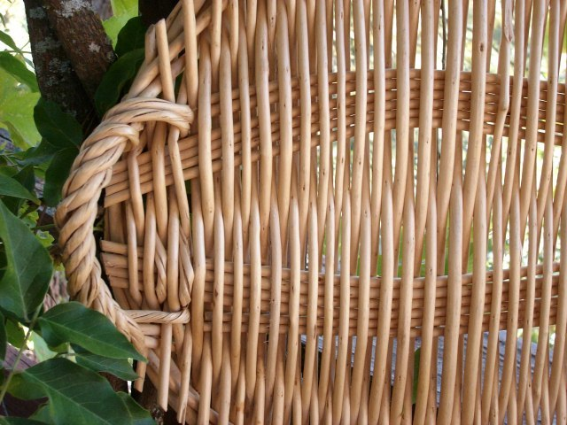 Williams - Sonoma WICKER TRAY with Handles - Excellent Condition!!