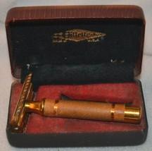 Vintage Gillette Safety Razor Reissue No.17567  w/ Case - $56.09