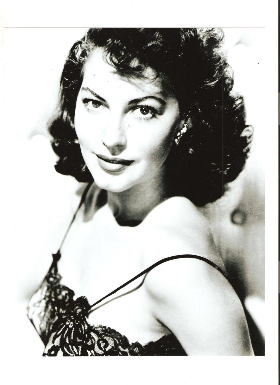 Ava Gardner 8 x 10 B&W Photo