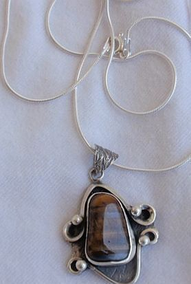 Brown colored silver pendant BUD 18