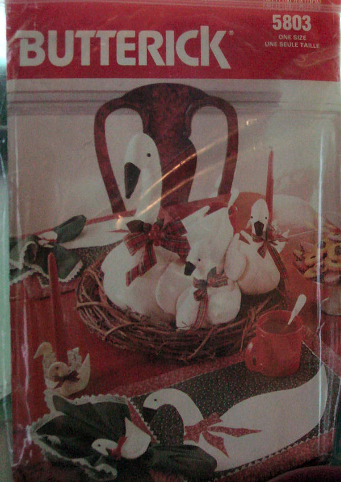 Pattern 5803 Stuffed Cloth Geese and Table Decorations