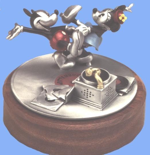 Disney Mickey & Minnie Dancing LE Pewter
