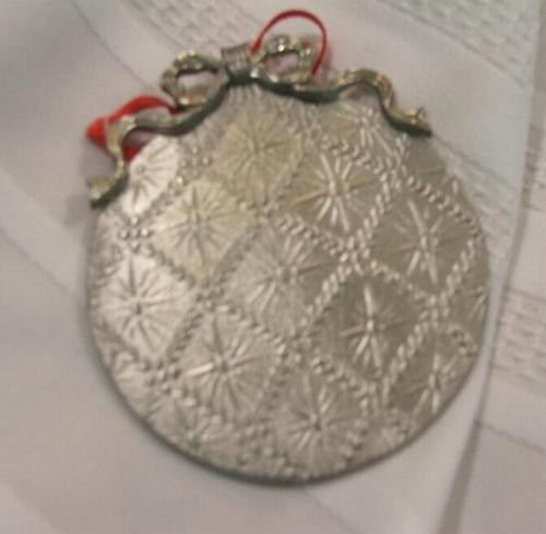 The Magnolia Pewter Company Christmas 1995 Ornament