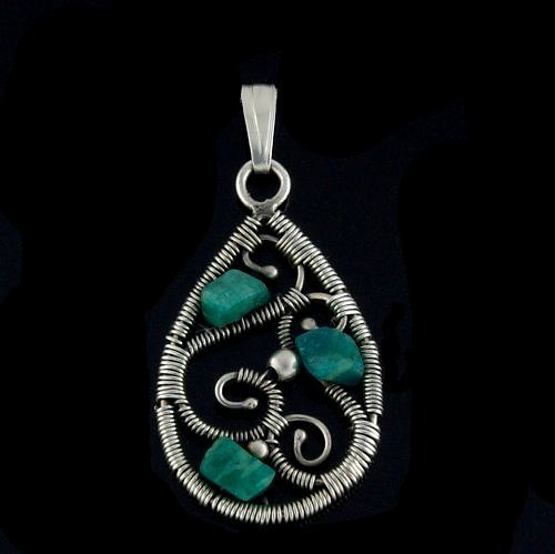 Wire wrapping oval pendant with amazonite