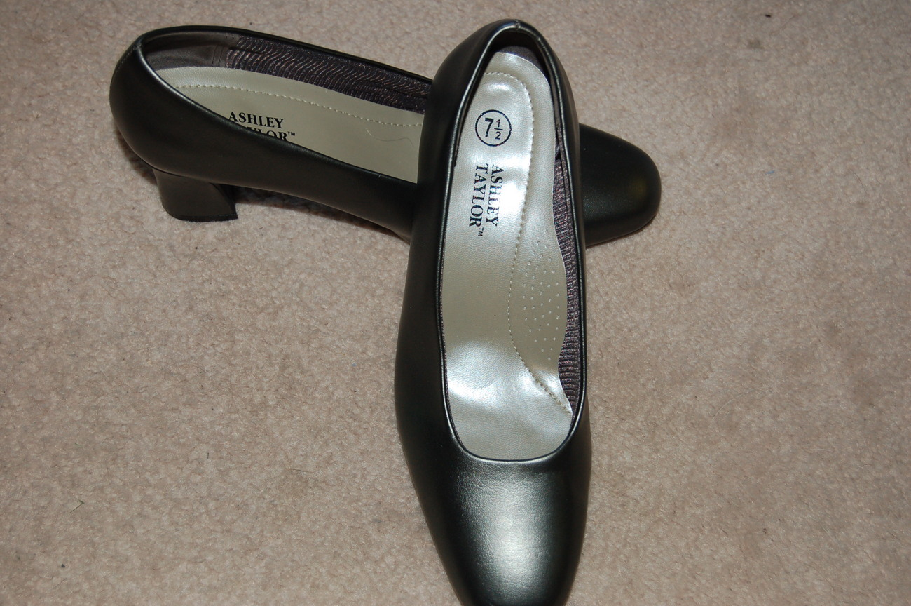 Ashley Taylor Pumps Shoes 7.5 Flex Sole Gray Silver Pewter