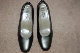 Ashley taylor silver gray pumps thumb200