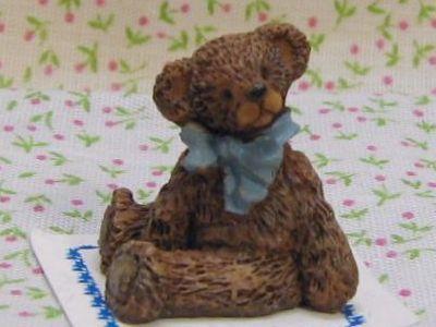 9 bonnie franklin bear darkerbrn blubow 1 arm front gemjanes dollhouse miniatures 1