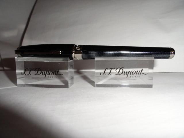 ST Dupont Casino Royale Fountain Pen