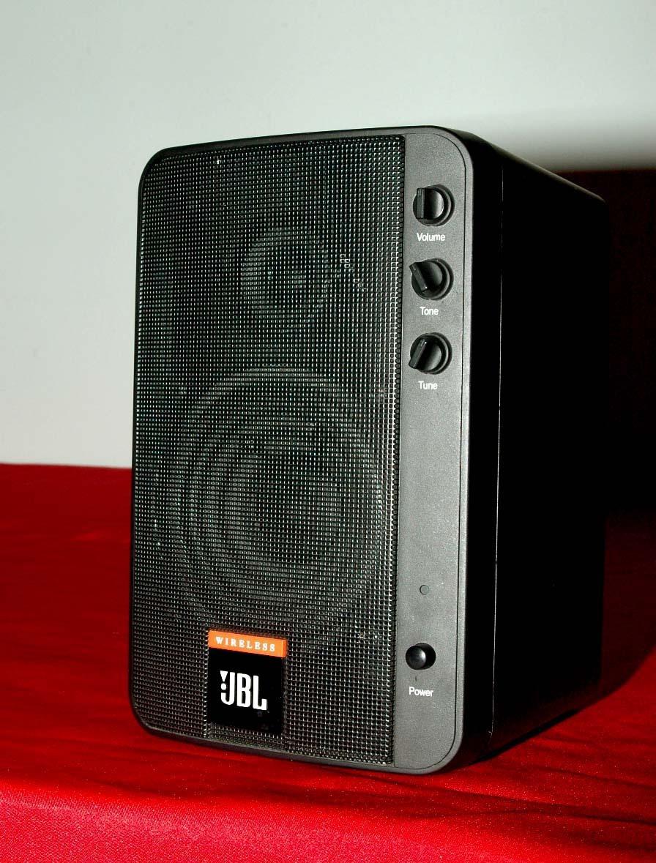 jbl wireless 2 way speaker system wrk1000 nice condition. Black Bedroom Furniture Sets. Home Design Ideas