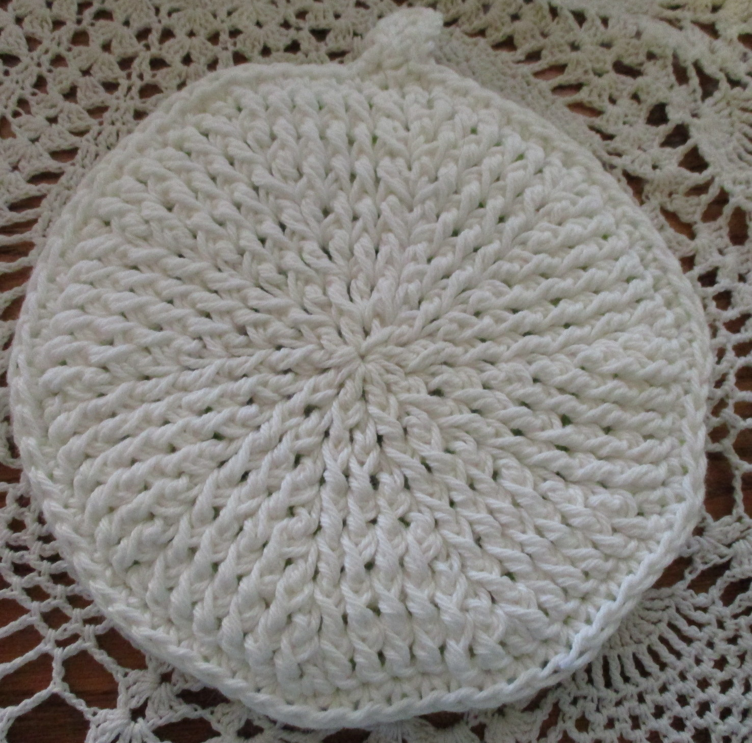 Round Green and White Double Thick Potholder