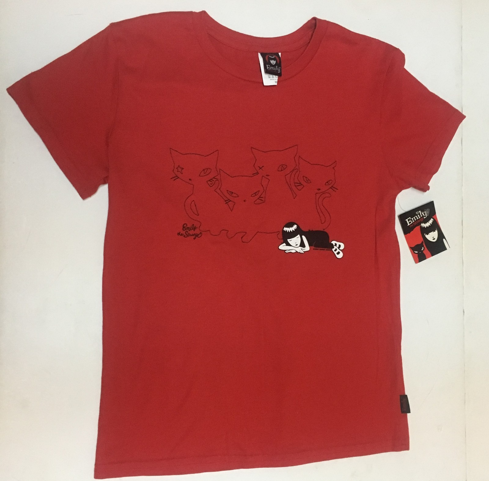 Emily The Strange Cat Kitty SLEEPING WITH CATS T-Shirt Top Sz Juniors M Red
