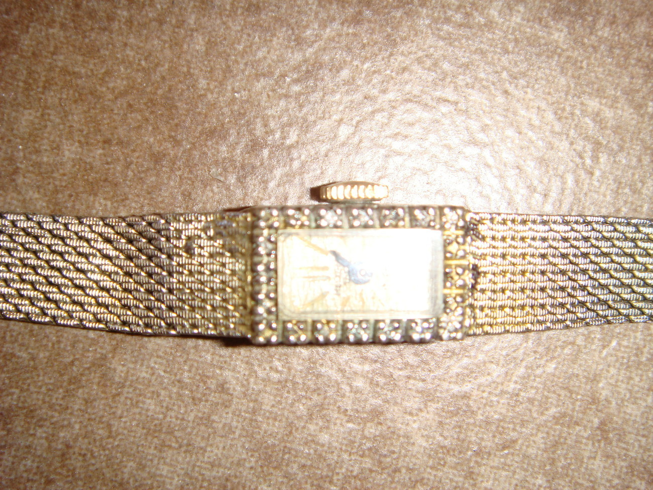 Helzberg 17-jewel 10K RGP wind-up vintage watch