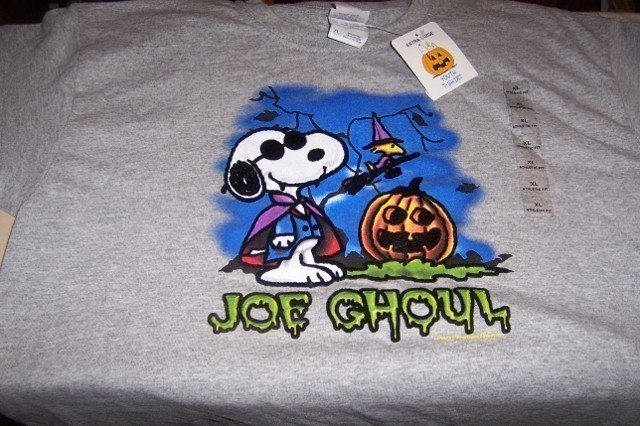 Peanuts Snoopy Woodstock Joe Ghoul Halloween T-Shirt Youth XL NWT Snoopy Vampire