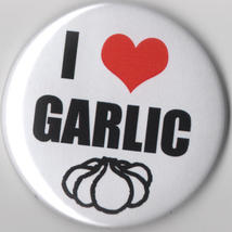 Garlic I heart Love Large Button festival delicious yum - $2.99