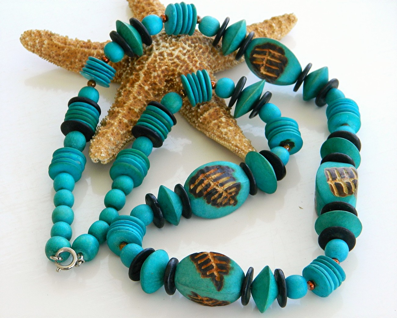 Vintage handmade wooden necklace chunky turquoise beads wood