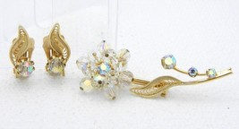 VTG Gold Tone Clear Crystal Rhinestone Flower Brooch Pin Earrings Set - $29.70