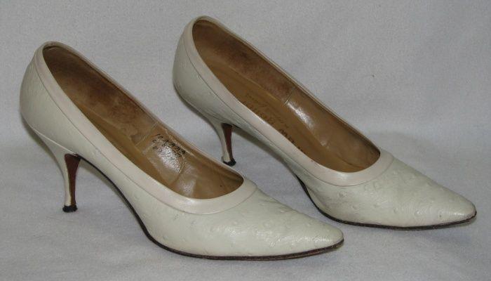 Vintage Ostridge High Heels Pumps Size 10 AAAA Ivory/Bone