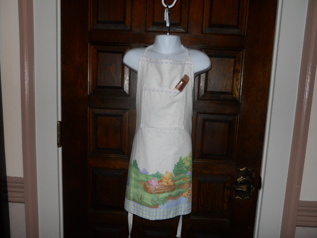 Child/Youth Lined Cotton Apron with Pockets - Winnie the Pooh & Friends (White)