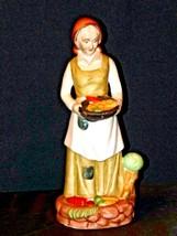 UCGC Old Woman Figurine Vintage AA19-1462 image 2