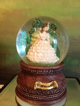 San Francisco Music Box Co - Scarlett & Tara Waterglobe Gone With the Wind - $75.00