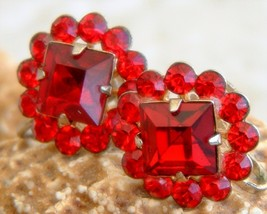 Vintage Rhinestone Earrings Ruby Red Flower Round Circle Screw Back - $19.95