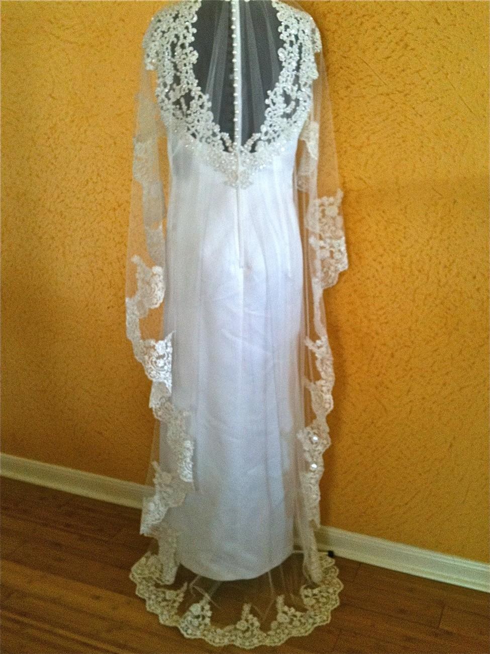 "CHAPEL LENGHT 76"" Wedding Veil - classic spanish veil,  Beaded Lace veil ,  SILV"