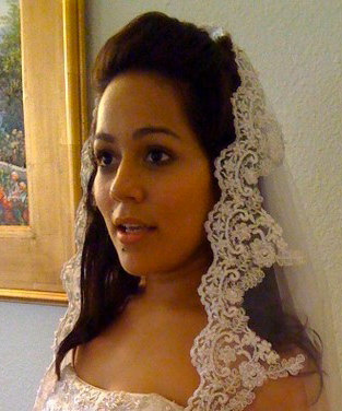 Bridal Veil Mantilla in ivory with beaded lace and silver thread