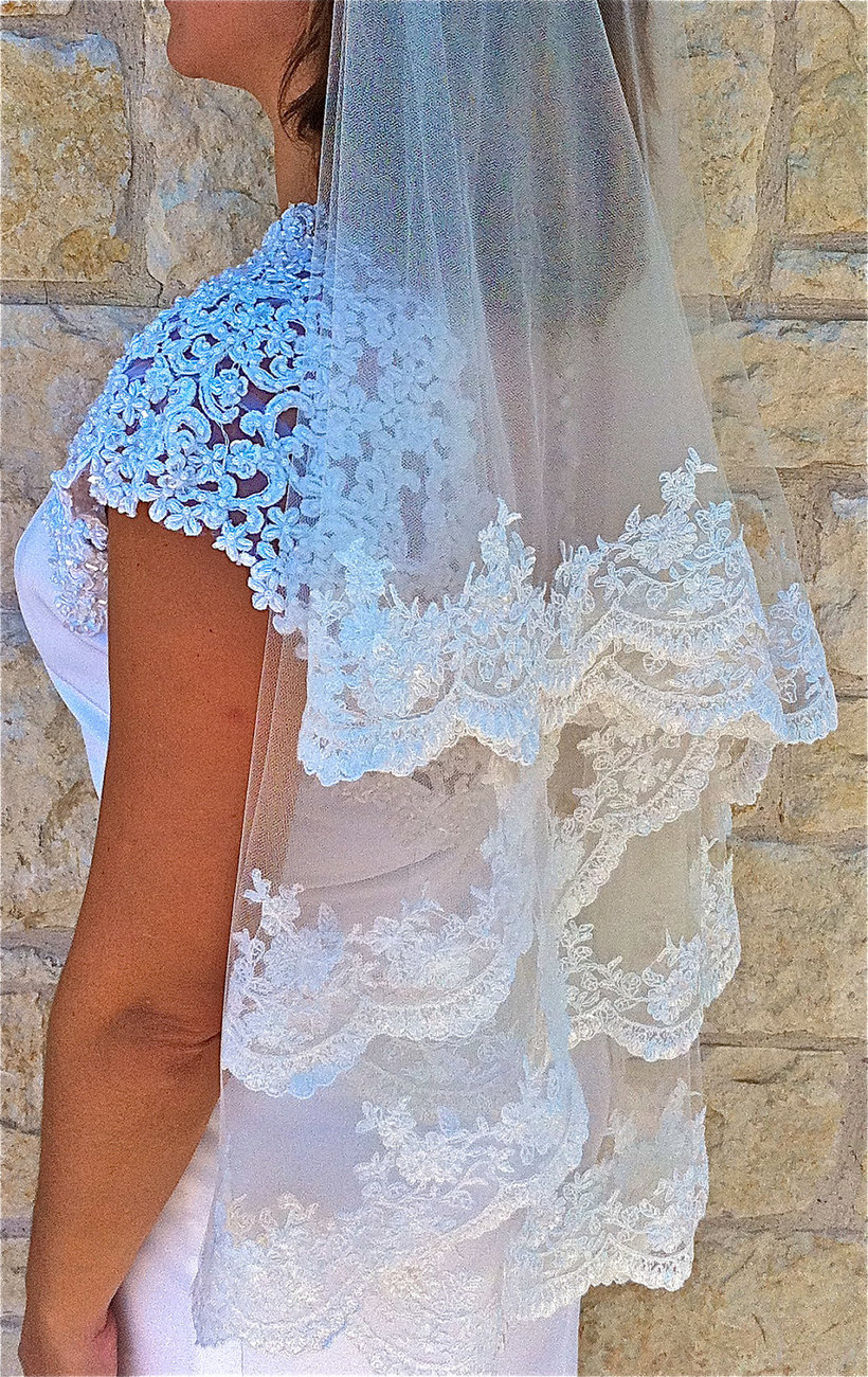Two layers veil, Beaded Alencon lace - white or light ivory with scalloped  edge
